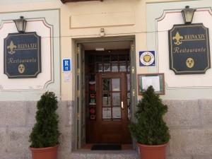 entrada restaurante Reina XIV en La Granja